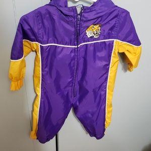 LSU suit
